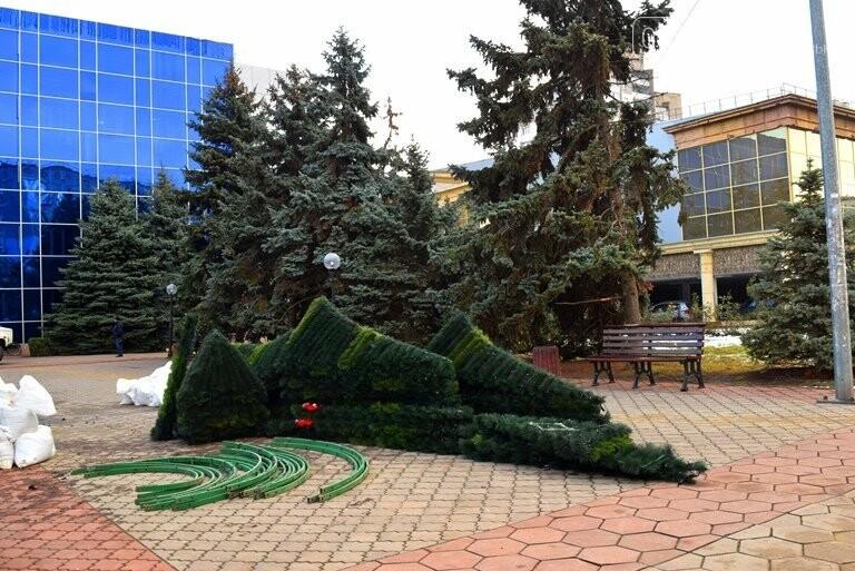В Черноморске засверкала огнями новогодняя ёлка от «Люмьера», фото-11