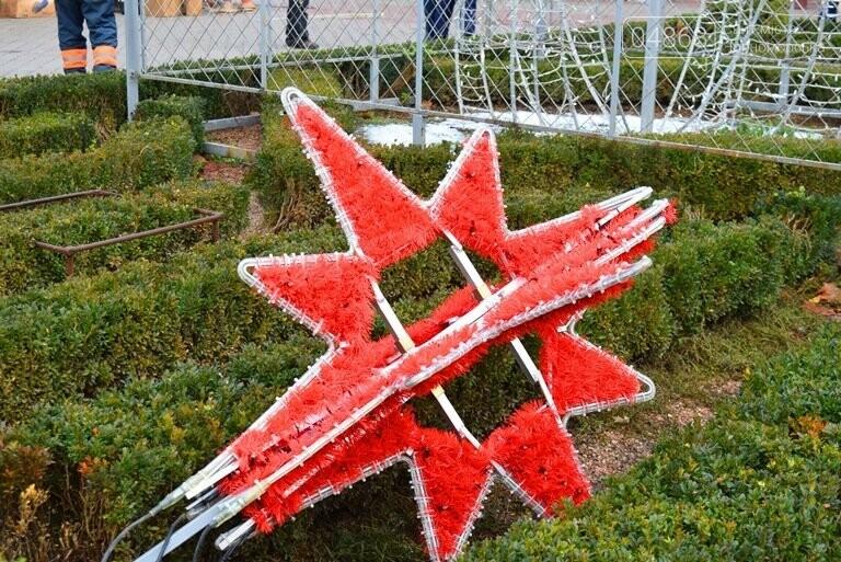 В Черноморске засверкала огнями новогодняя ёлка от «Люмьера», фото-12