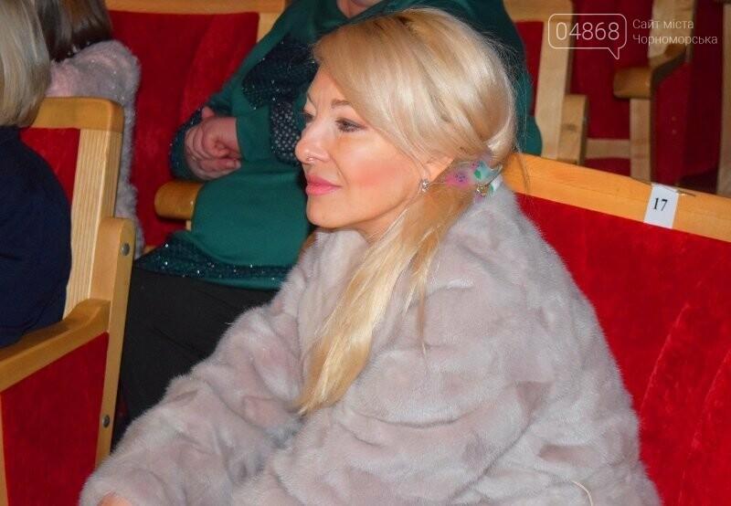 Тепло и трогательно: в «День святого Николая» в Черноморске прошёл праздник для детей-сирот, фото-16