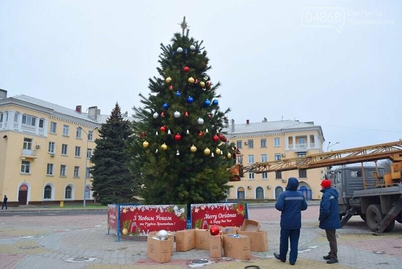 Новогодняя ёлка черноморских портовиков примеряет праздничный наряд, фото-7