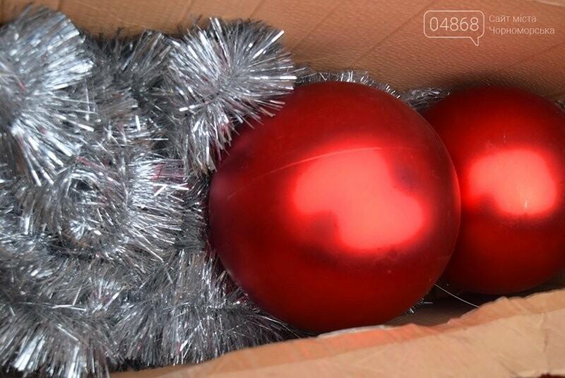 Новогодняя ёлка черноморских портовиков примеряет праздничный наряд, фото-4