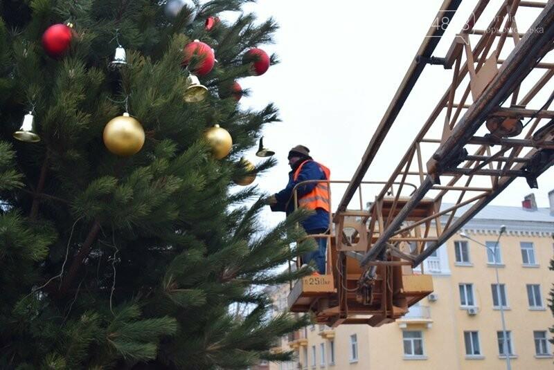 Новогодняя ёлка черноморских портовиков примеряет праздничный наряд, фото-6