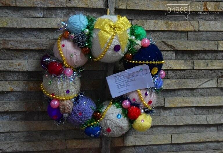 «Альтернативные» новогодние ёлочки заполнили холл исполкома, фото-8