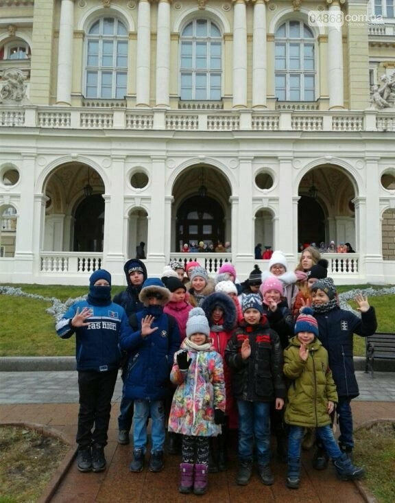 Новогоднее: облсовет пригласил маленьких жителей Черноморска в самый красивый театр Одессы, фото-10