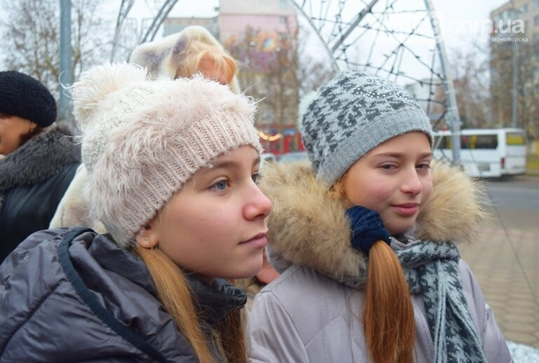 Новогоднее: облсовет пригласил маленьких жителей Черноморска в самый красивый театр Одессы, фото-11