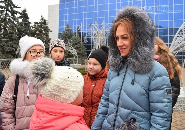 Новогоднее: облсовет пригласил маленьких жителей Черноморска в самый красивый театр Одессы, фото-16