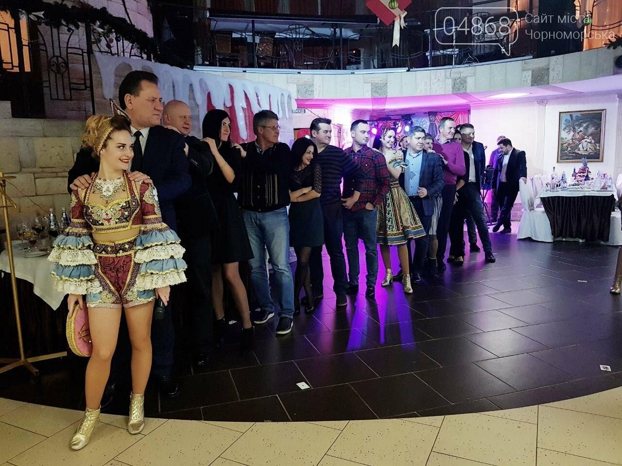 Руководство Ильичевского судоремонтного завода поздравляет с наступающими праздниками, фото-11