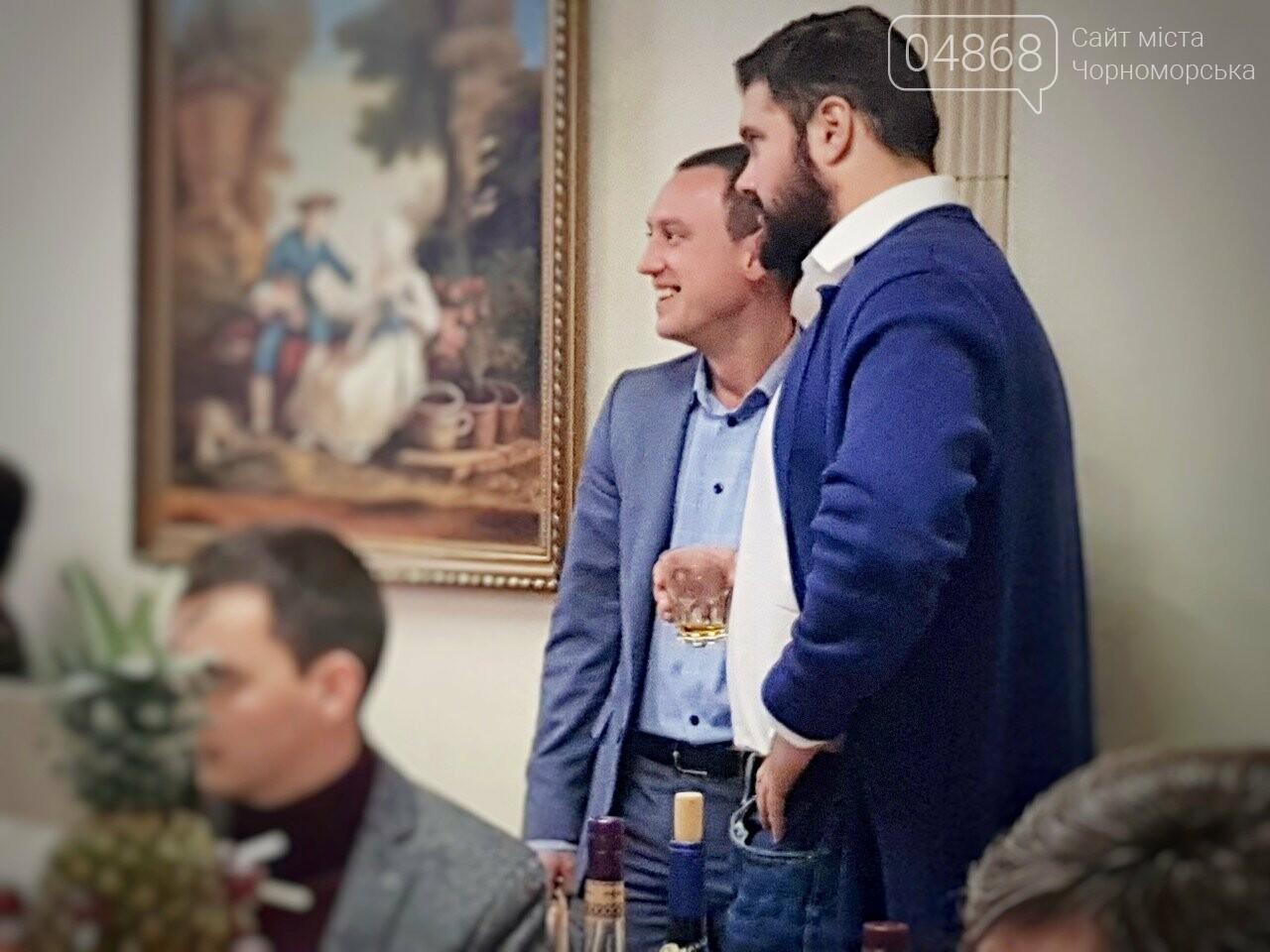 Руководство Ильичевского судоремонтного завода поздравляет с наступающими праздниками, фото-14