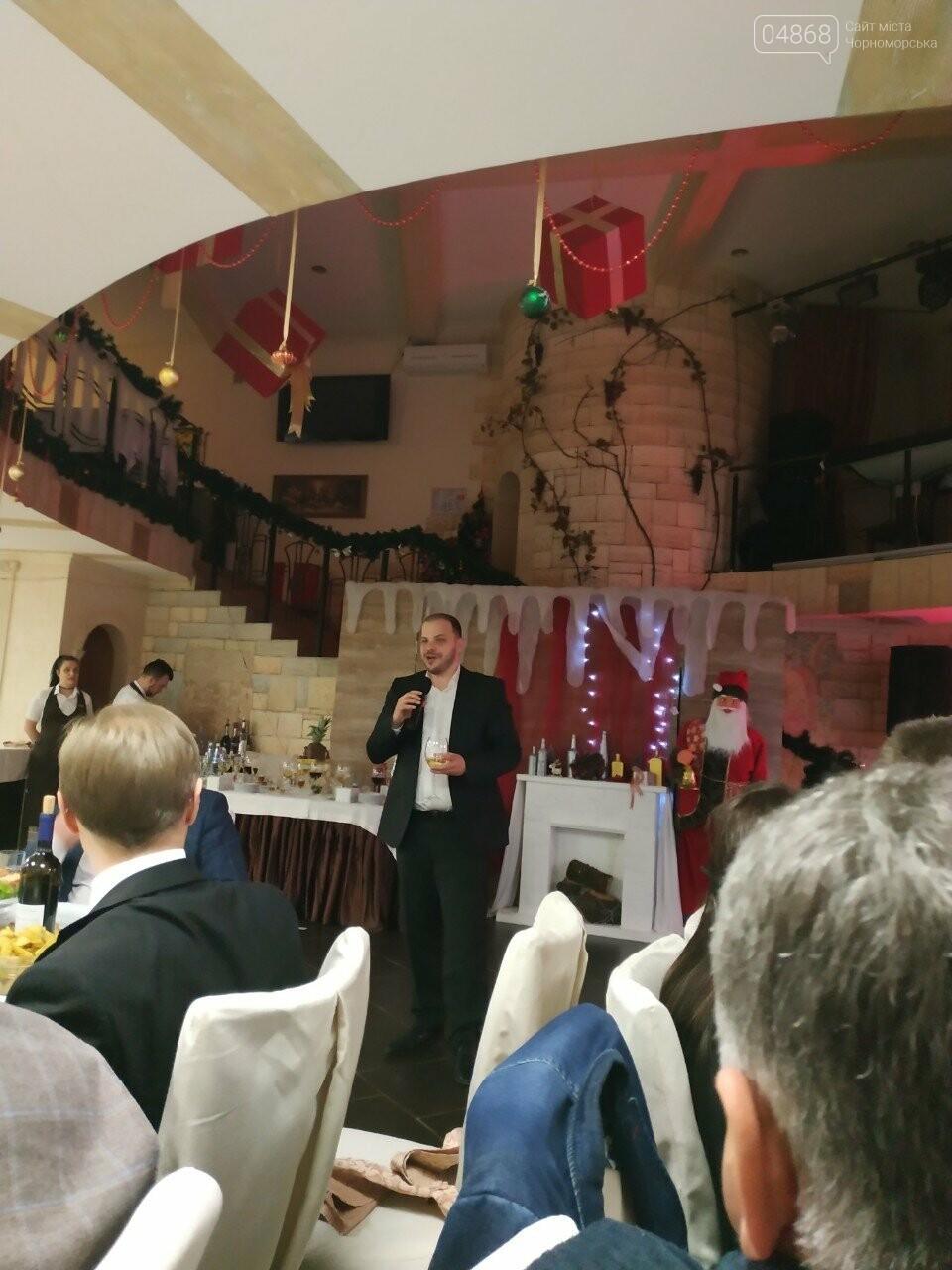 Руководство Ильичевского судоремонтного завода поздравляет с наступающими праздниками, фото-9