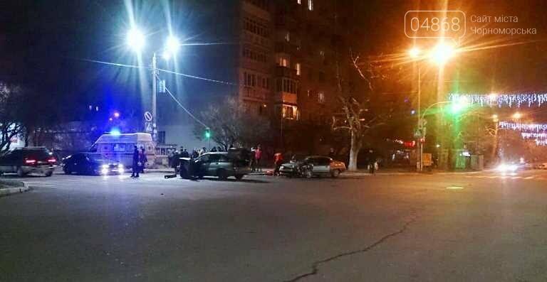 В новогоднюю ночь в Черноморске не обошлось без ДТП, фото-4