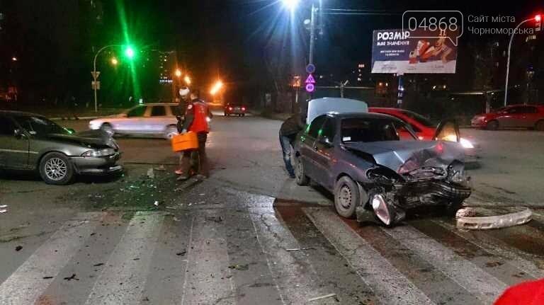 В новогоднюю ночь в Черноморске не обошлось без ДТП, фото-5