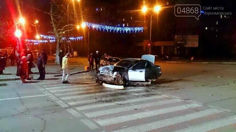 В новогоднюю ночь в Черноморске не обошлось без ДТП, фото-6