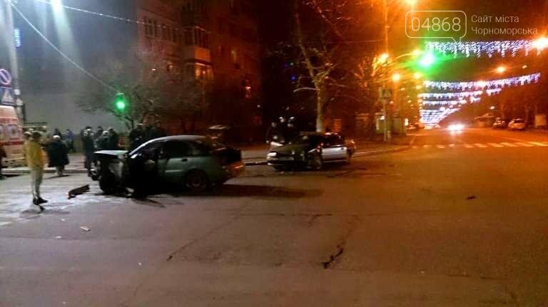 В новогоднюю ночь в Черноморске не обошлось без ДТП, фото-7