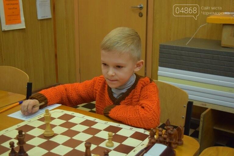 В Шахматно-шашечной школе Черноморска третью неделю идут сражения, фото-11