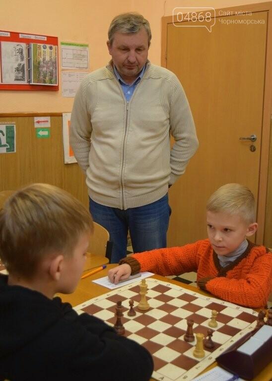 В Шахматно-шашечной школе Черноморска третью неделю идут сражения, фото-2
