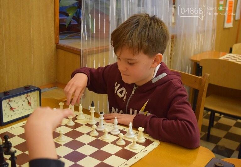 В Шахматно-шашечной школе Черноморска третью неделю идут сражения, фото-1