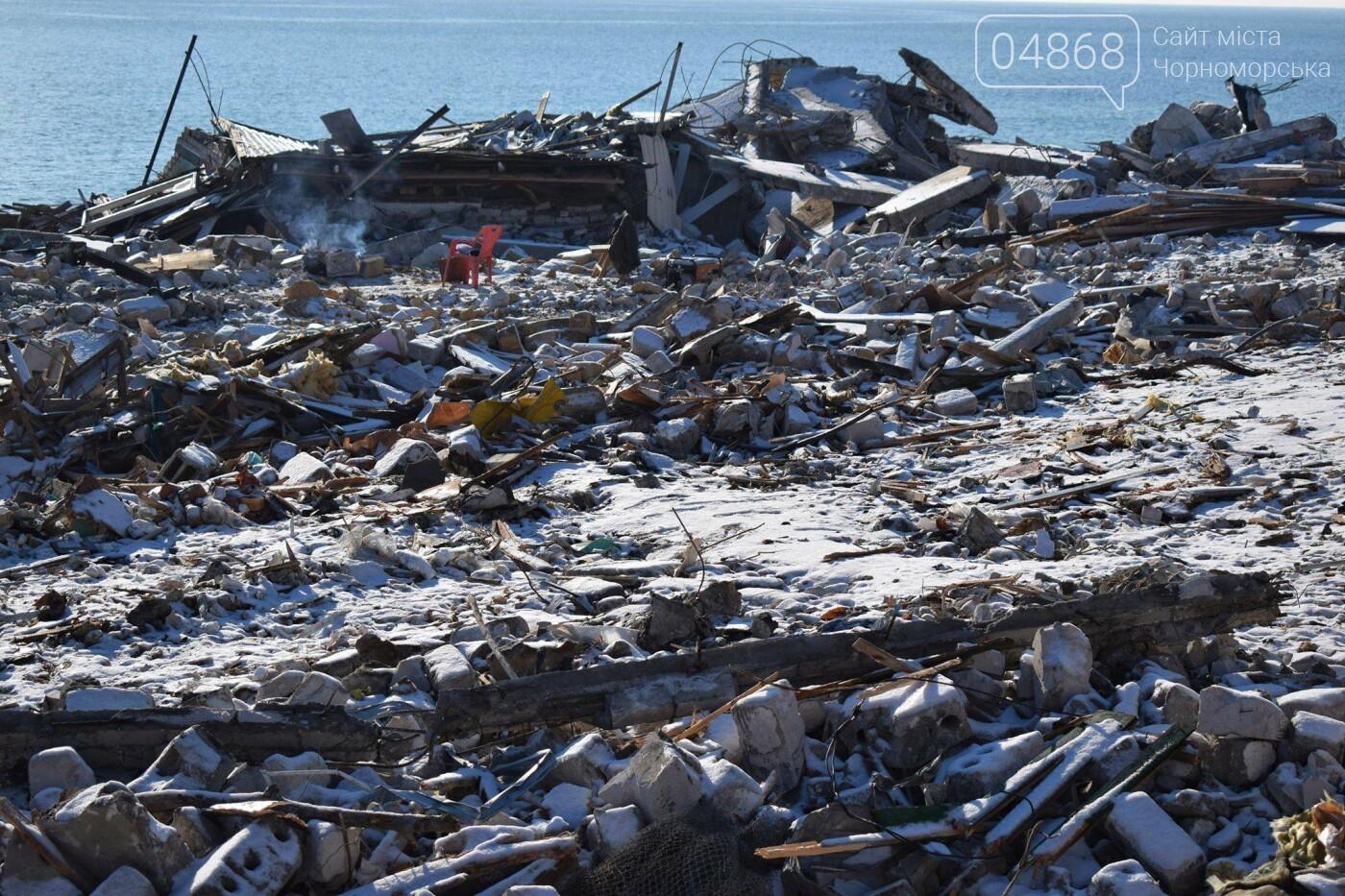 В Черноморске не допустили, чтобы целый жилой массив смыло морем , фото-12