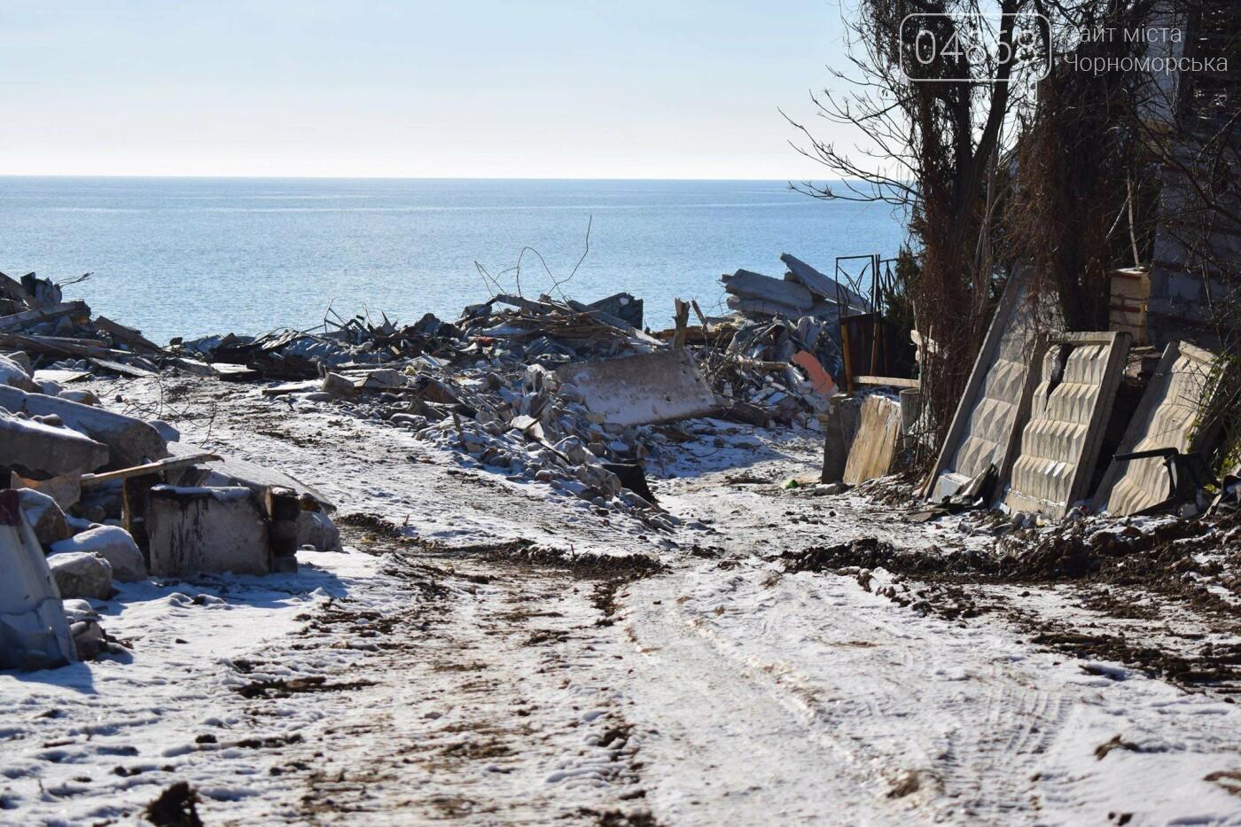 В Черноморске не допустили, чтобы целый жилой массив смыло морем , фото-11