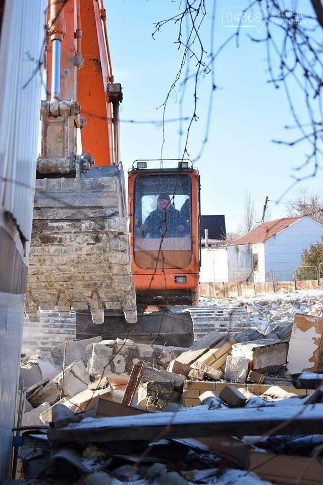 В Черноморске не допустили, чтобы целый жилой массив смыло морем , фото-4