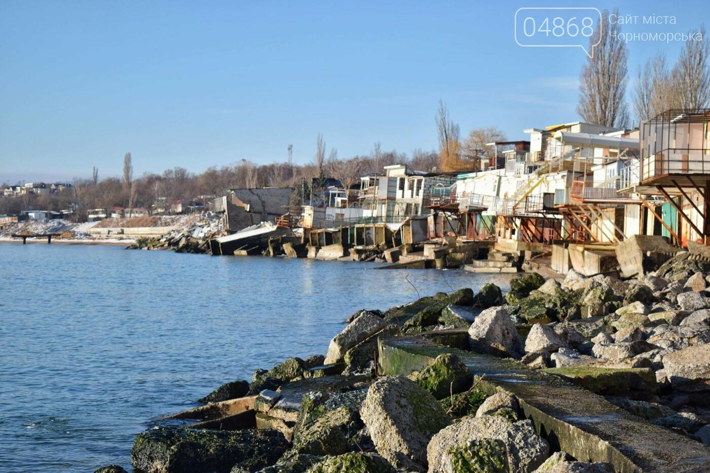 В Черноморске не допустили, чтобы целый жилой массив смыло морем , фото-22