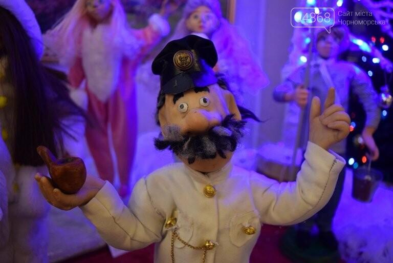 Куклы, картины и инсталяции: в Черноморске показали «Рождественские узоры», фото-15