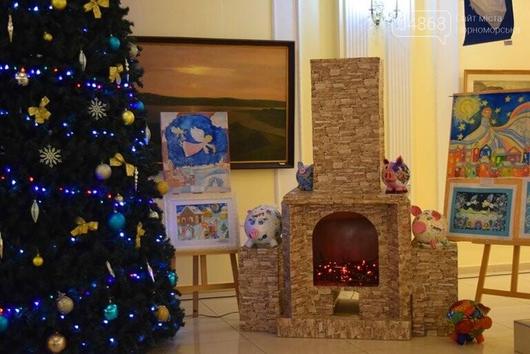 Куклы, картины и инсталяции: в Черноморске показали «Рождественские узоры», фото-2