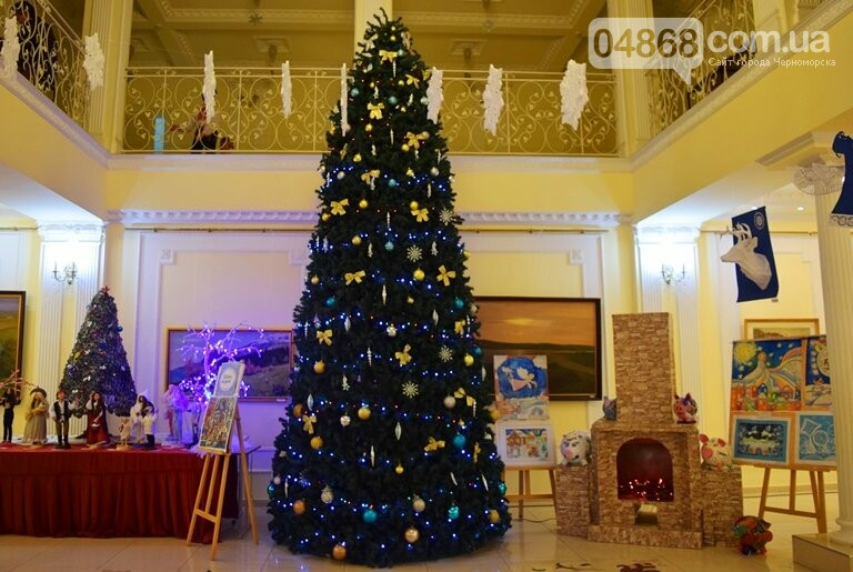Куклы, картины и инсталяции: в Черноморске показали «Рождественские узоры», фото-29