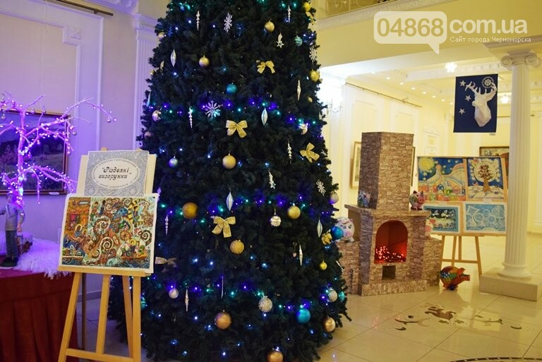 Куклы, картины и инсталяции: в Черноморске показали «Рождественские узоры», фото-31