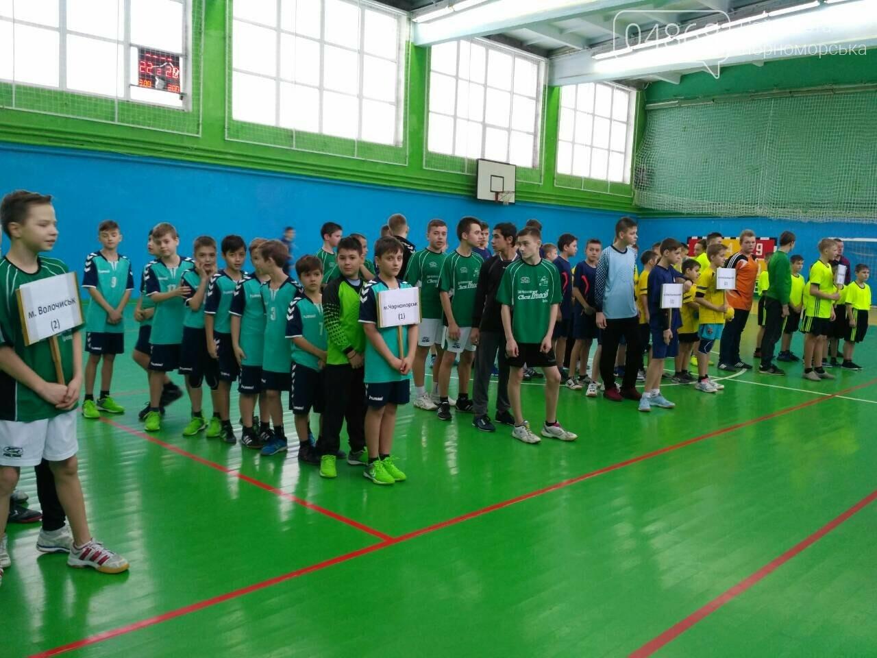 Команда юных гандболистов из Черноморска привезла золотой кубок из Хмельницкого, фото-1