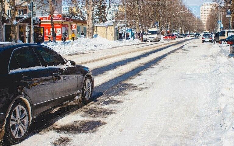 Снег и гололёд: о ситуации на дорогах Черноморска, фото-4