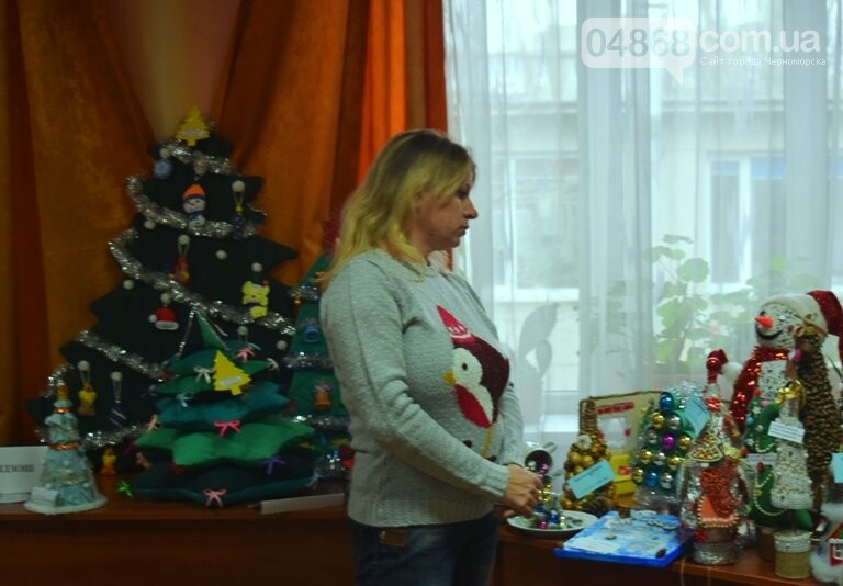 В Черноморске назвали самые красивые «Альтернативные ёлки», фото-18