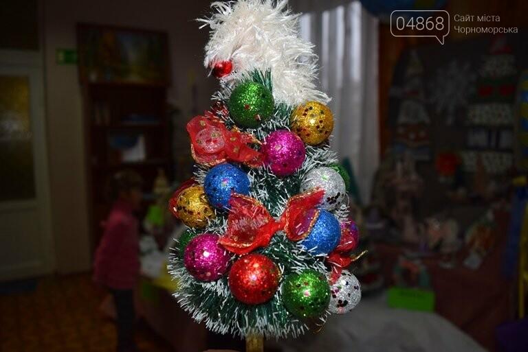 В Черноморске назвали самые красивые «Альтернативные ёлки», фото-10