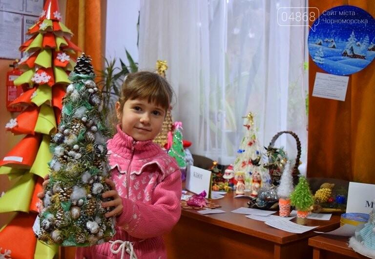 В Черноморске назвали самые красивые «Альтернативные ёлки», фото-6
