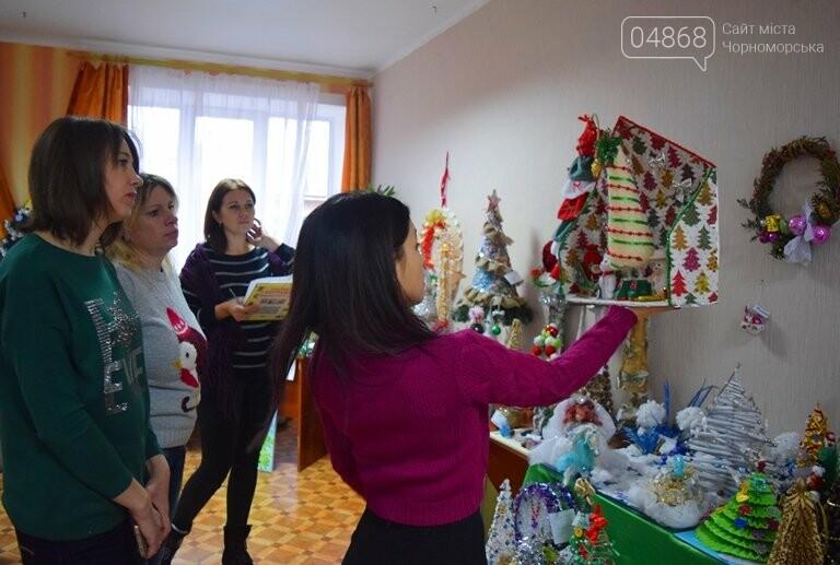 В Черноморске выбирали самые красивые сувениры и композиции, фото-23