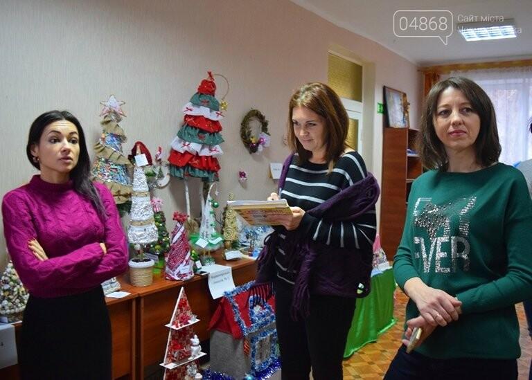 В Черноморске выбирали самые красивые сувениры и композиции, фото-24