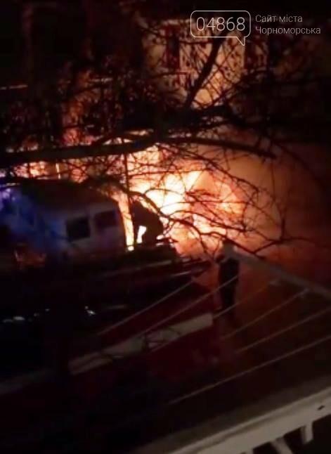 Жаркая ночь: в Черноморске снова горели машины, фото-6