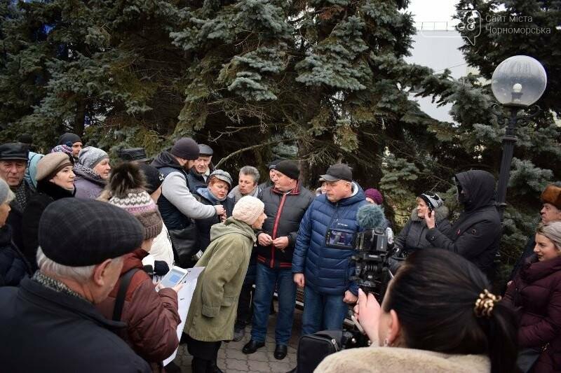 «Деньги реальные, тарифы надуманные»: жители Черноморска вышли на митинг против повышения цен на воду, фото-11