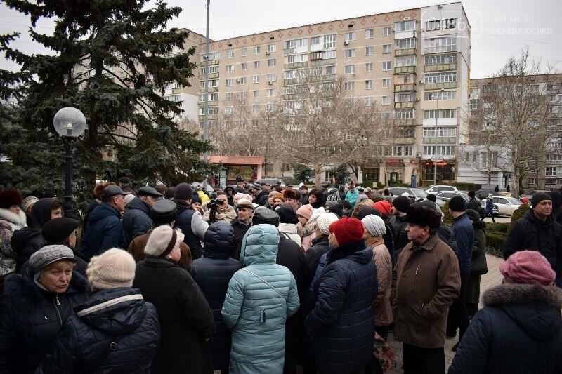 «Деньги реальные, тарифы надуманные»: жители Черноморска вышли на митинг против повышения цен на воду, фото-14