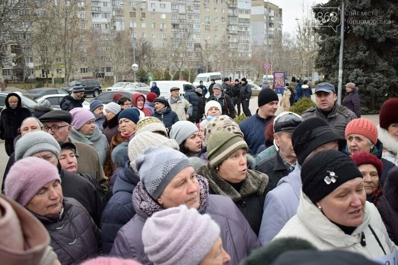 «Деньги реальные, тарифы надуманные»: жители Черноморска вышли на митинг против повышения цен на воду, фото-17