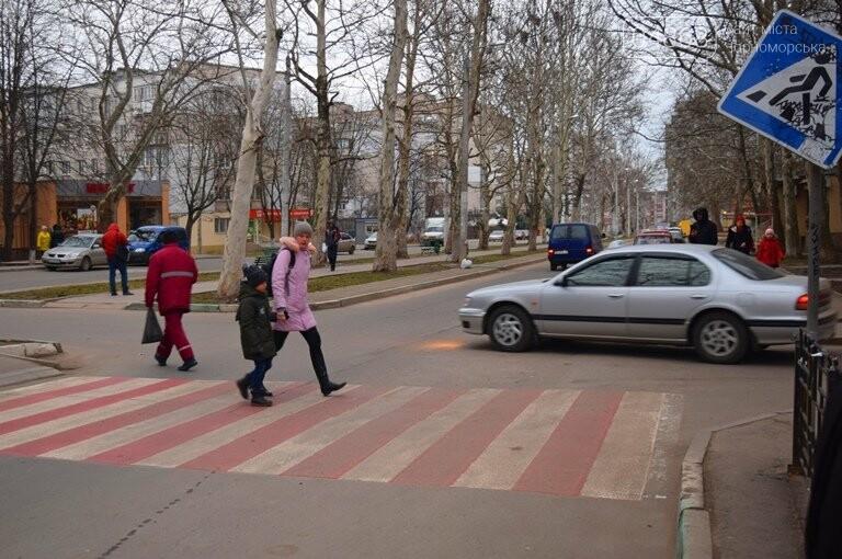 Насколько безопасны пешеходные переходы у школ Черноморска?, фото-1