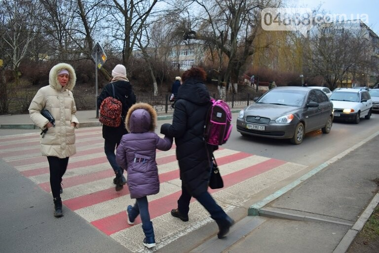 Насколько безопасны пешеходные переходы у школ Черноморска?, фото-9
