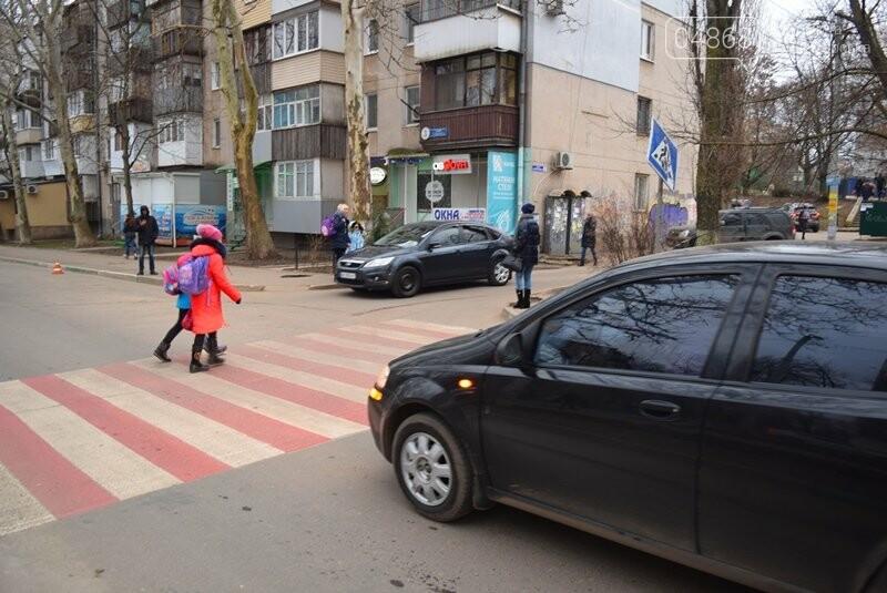 Насколько безопасны пешеходные переходы у школ Черноморска?, фото-25