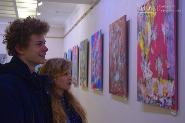 «Сучасний ненаратив»: в Черноморске представили выставку абстрактной живописи, фото-6