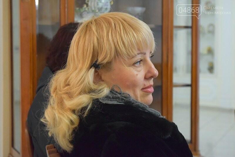 Мечты и миры Элеоноры Бутенко: в Черноморске открылась выставка молодой художницы, фото-9