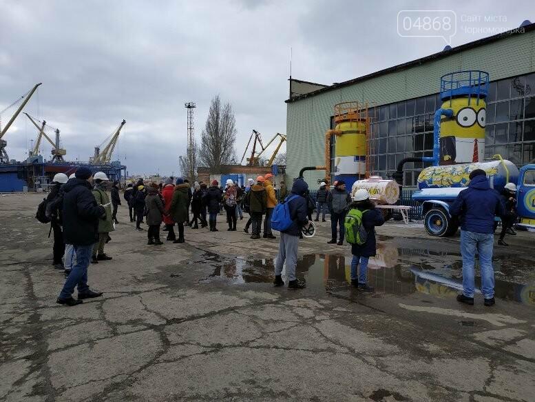 На Судоремонтном заводе Черноморска спортсмены эвакуировали «пострадавших», фото-5