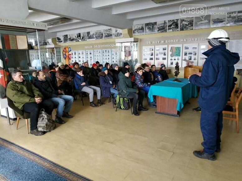 На Судоремонтном заводе Черноморска спортсмены эвакуировали «пострадавших», фото-1