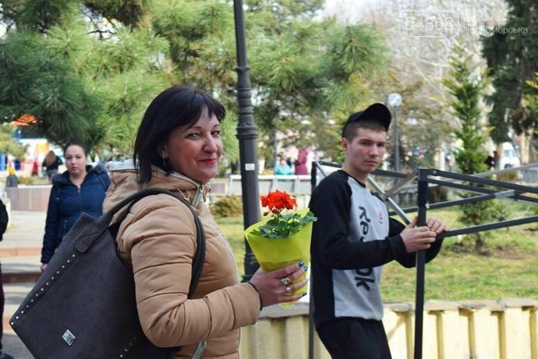 В Черноморске открылась весенняя цветочная ярмарка, фото-5