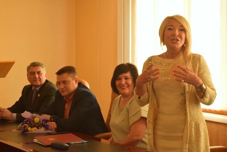 Шесть прекрасных жительниц Черноморска признаны победительницами конкурса «Женщина года», фото-23