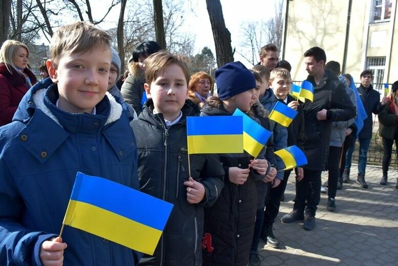 В Черноморске прошёл флешмоб «Сердце Кобзаря», фото-17