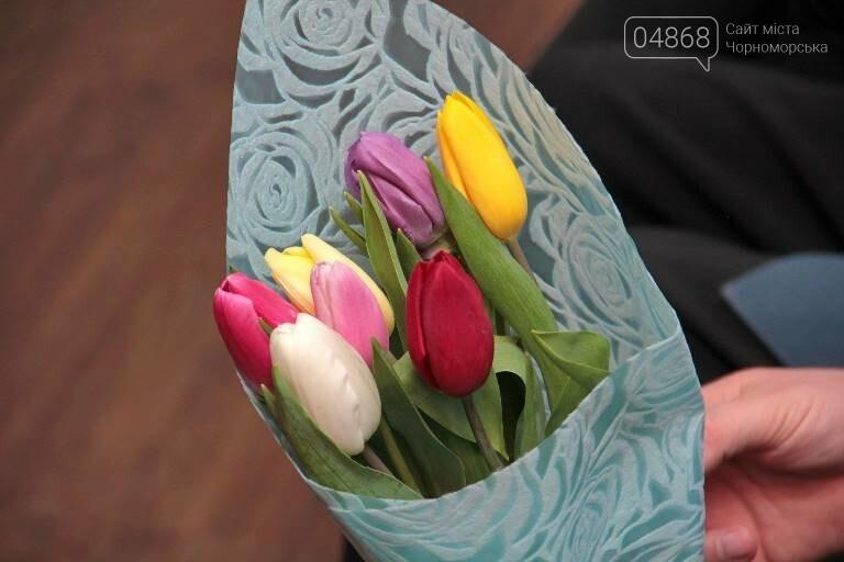 В «Дамском салоне» Оксаны Загорулько жителей Черноморска встретили весна, цветы и роскошь общения, фото-16